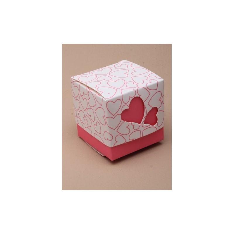 består størrelse 5x5x5xcm.pack på 50 små lyserøde hjerte gaveæske. dette punkt kommer i 2 dele, og det er f ...