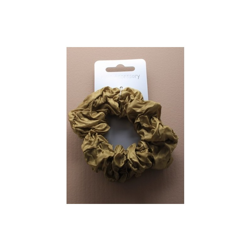Creased Scrunchies in Natural.