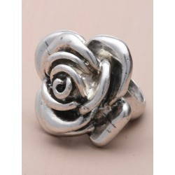 Vintage cast silv flower rings