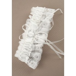 White ribbon and lace garter with Centre heart detail.