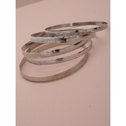 pack of 5 bangles.