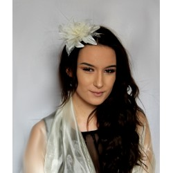 Fascinator Comb - Cream Lily-esque Flower and Feather...