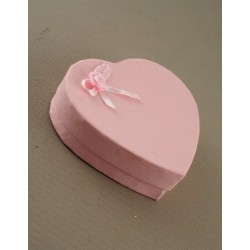 pink rosebud heart shaped gift box. size approx 8x9x2.5cm. this box has a flocked pad insert with 4 corner ...