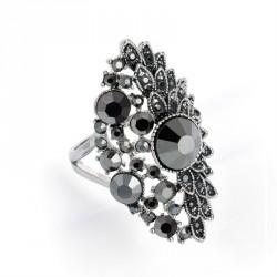 Ring - Antique silver, hematite and black diamond colour...