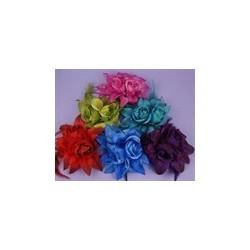 rosa e lírio flor híbrida elástica e pin broche